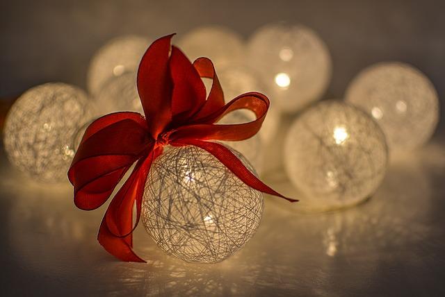 dekorační koule.jpg